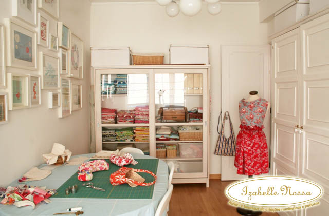 Atelier de costura afe maria for Sewing room design ideas small space