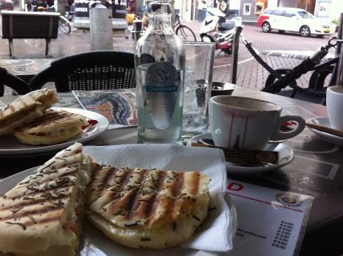 Um café da manhã no The Bulldog.